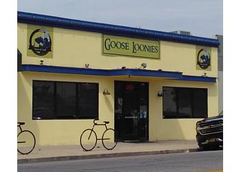 Bakersfield sports bar Goose Loonies Tavern & Grill
