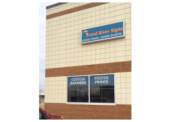 Grand Rapids sign company Grand River Signs
