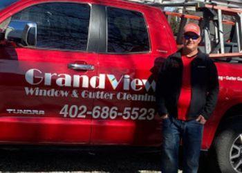 Omaha gutter cleaner Grandview Window & Gutter Cleaning