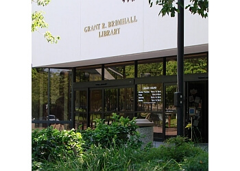 Thousand Oaks landmark Grant R. Brimhall Library
