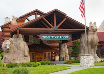 Chesapeake amusement park Great Wolf Lodge Water Park