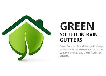 Miami gutter cleaner Green Solution Rain Gutters