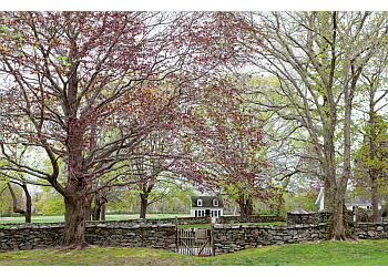 Providence lawn care service GreenWorks Lawn Specialists