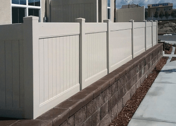 Oceanside fencing contractor Greenfield Fence Inc.