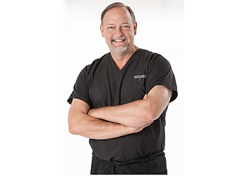Tulsa plastic surgeon Greg Ratliff, MD, FACS