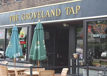 St Paul sports bar Groveland Tap