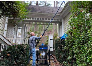 Atlanta gutter cleaner Guru Gutter Cleaning Atlanta