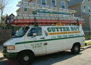 New York gutter cleaner Gutterboy Seamless