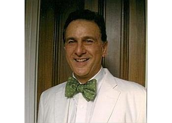 Norfolk plastic surgeon Guy Trengove Jones, MD