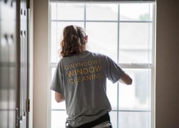 Austin window cleaner Gwyndows Window Cleaning Services, LLC