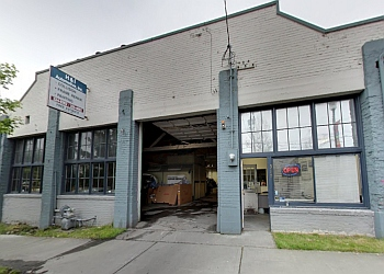 Seattle auto body shop H & I Automotive