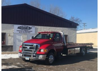 Minneapolis towing company Hooked Up Towing & Recovery