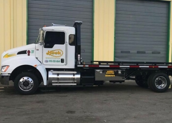 Savannah towing company HOOK RECOVERY & TOWING SERVICE