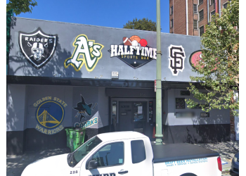 Oakland sports bar Halftime Sports Bar