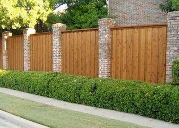 Columbus fencing contractor Hamilton Fencing