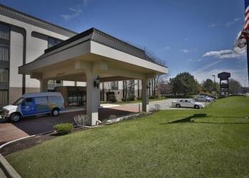 Naperville hotel Hampton Inn