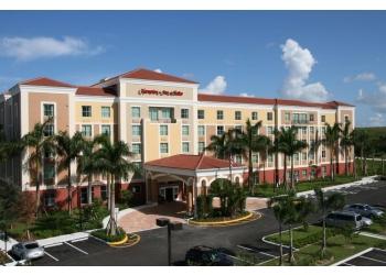 Miramar hotel Hampton Inn & Suites