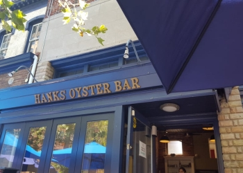 Washington seafood restaurant Hank's Oyster Bar