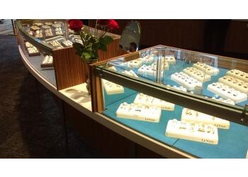 Salem jewelry Harry Ritchie's Jewelers