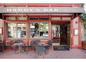 San Francisco sports bar Harry's Bar