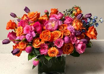 Miramar florist Hayal Flowers