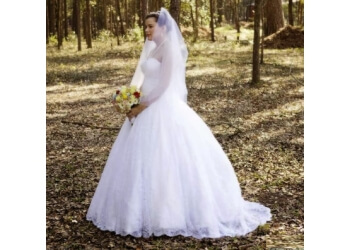 Tallahassee bridal shop Hayley Lauren Couture LLC