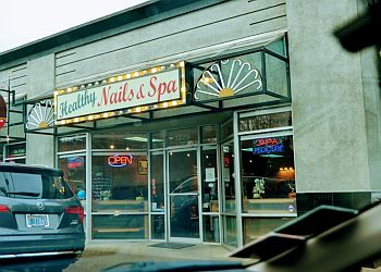 Portland nail salon Healthy Nails & Spa