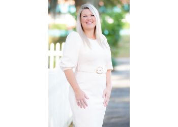 Orlando marriage counselor Heather Oller, MS, LMHC - ORLANDO THRIVE THERAPY