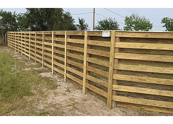 Corpus Christi fencing contractor Henry's Fence Company