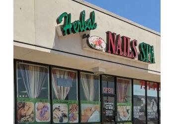 El Paso nail salon Herbal Nails Spa