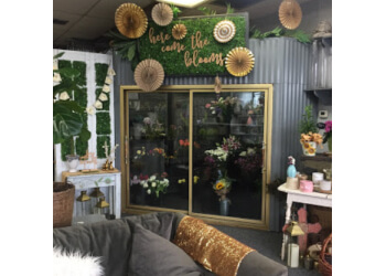 Garden Grove florist Here Come The Blooms