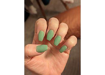 St Paul nail salon Highland Spa Nails