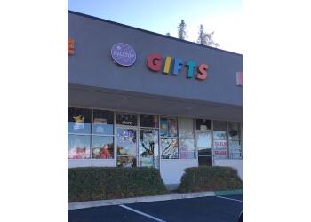 Fremont gift shop Hilltop Gifts