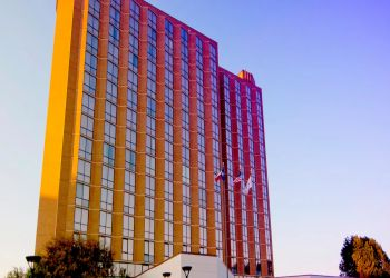 3 Best Hotels In Arlington Tx Threebestrated