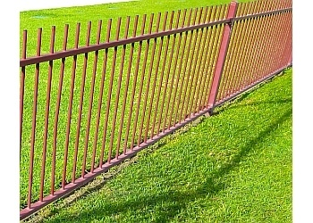 Pasadena fencing contractor Hogan Fence Co