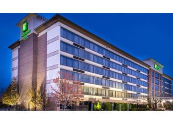 Warren hotel Holiday Inn & Suites