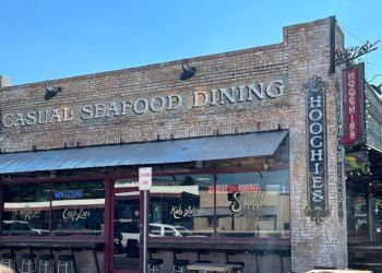 Denton seafood restaurant Hoochies
