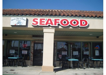 Oxnard seafood restaurant Hook Line & Sinker Seafood