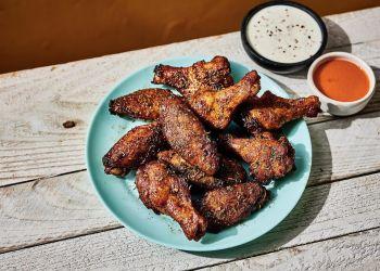 Clarksville sports bar Hooters