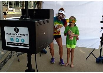 Arlington photo booth company Hot Dog! Photo Booth