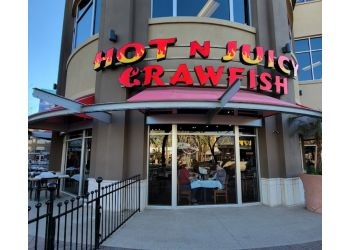 Glendale seafood restaurant Hot N Juicy Crawfish