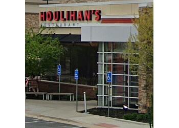 Olathe american restaurant Houlihan's