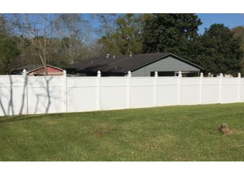 Mobile fencing contractor Howell Fencing