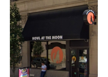 Pittsburgh night club Howl at the Moon