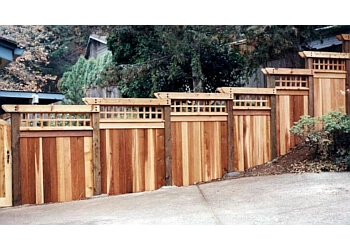 Eugene fencing contractor Huckleberry Fence & Deck Co.
