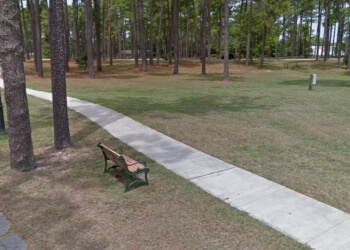 Wilmington public park Hugh MacRae Park
