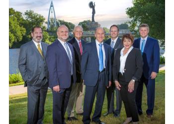 Wichita medical malpractice lawyer Hutton & Hutton Law Firm, LLC