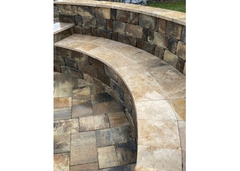 Gainesville landscaping company Hyer Quality Hardscape