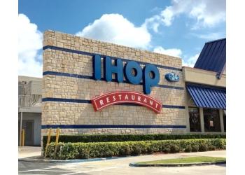 Hialeah american cuisine IHOP