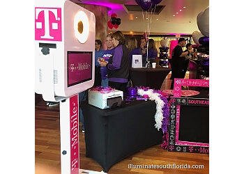 Fort Lauderdale photo booth company ILLUMINATE South Florida Photo Booth